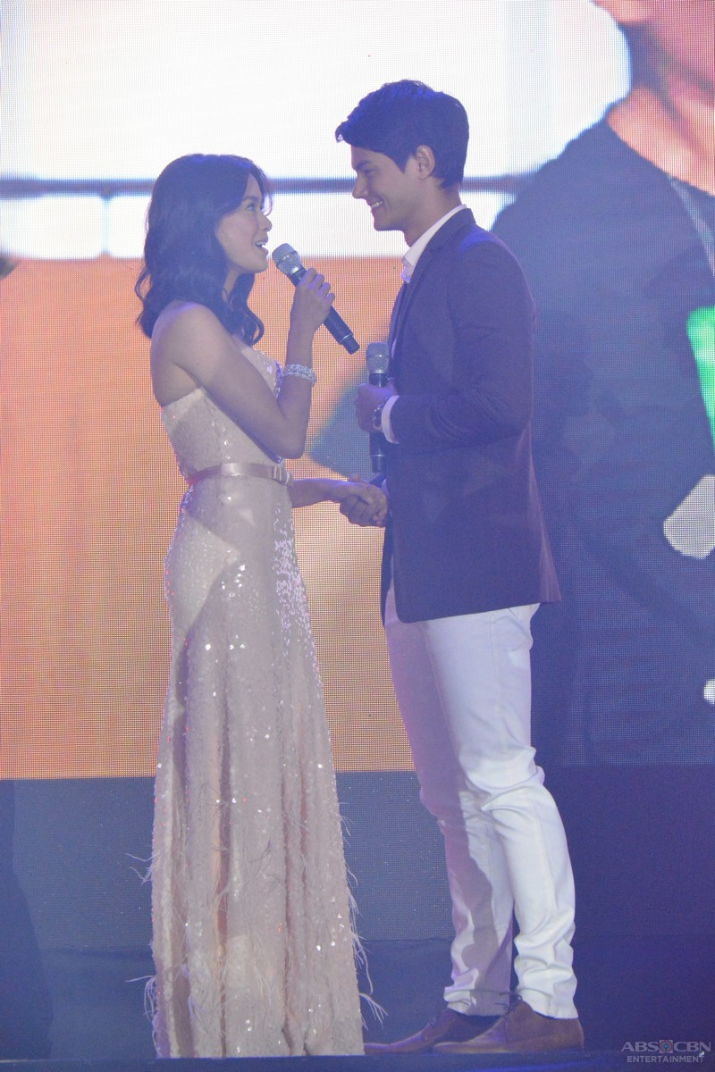 PHOTOS: Real life sweethearts Daniel and Erich spread kilig vibes at the #ShineKapamilya Trade Event